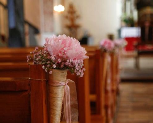 Hochzeit - Kirchenbank Deko
