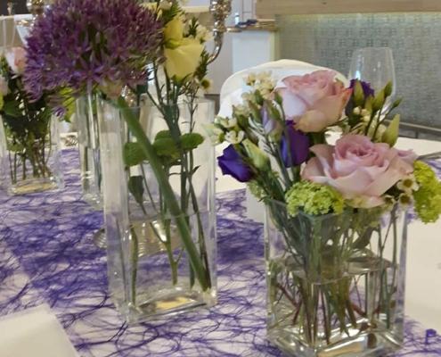 Tischdekoration - Vasen in lila