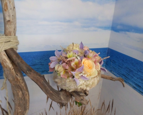 Hochzeit - Brautstrauss Aprico mit Manchette