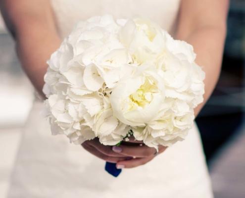 Hochzeit - Brautstrauss Hortensien mit Päonien
